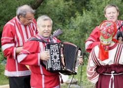 Межрегиональный фестиваль народного творчества «Поет гармонь над Битюгом»